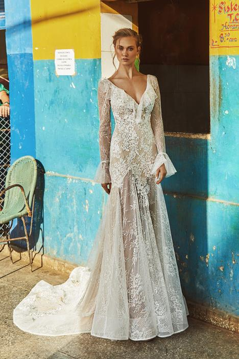 LA8230 gown from the 2018 L'Amour by Calla Blanche collection, as seen on dressfinder.ca