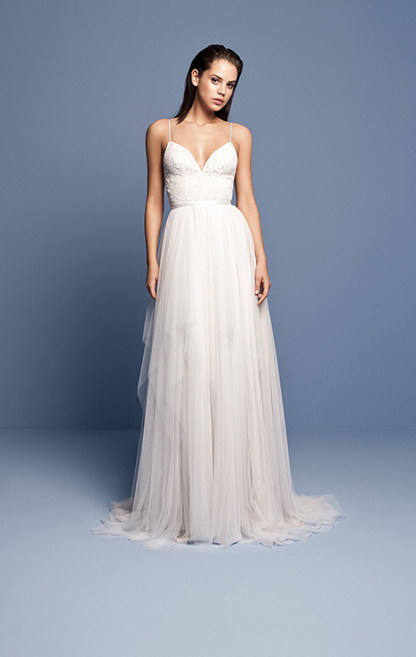 OCN 409 gown from the 2018 Daalarna collection, as seen on dressfinder.ca