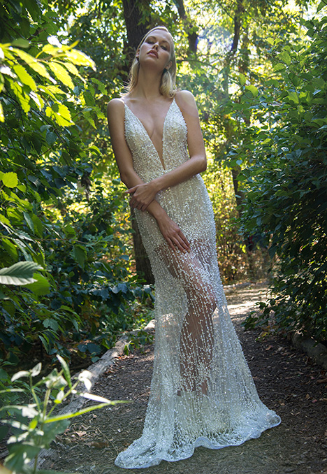 Thelma gown from the 2018 Yaniv Persy Bridal Couture collection, as seen on dressfinder.ca