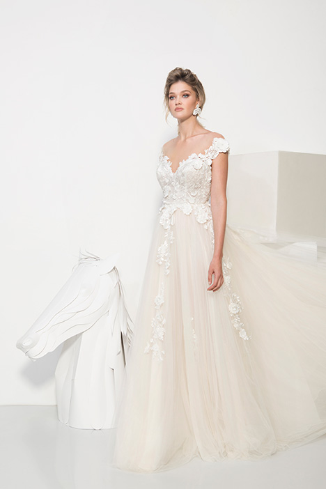 1908 gown from the 2019 Yaniv Persy Bridal Couture collection, as seen on dressfinder.ca