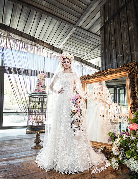 HAYLEY gown from the 2019 Yumi Katsura collection, as seen on dressfinder.ca