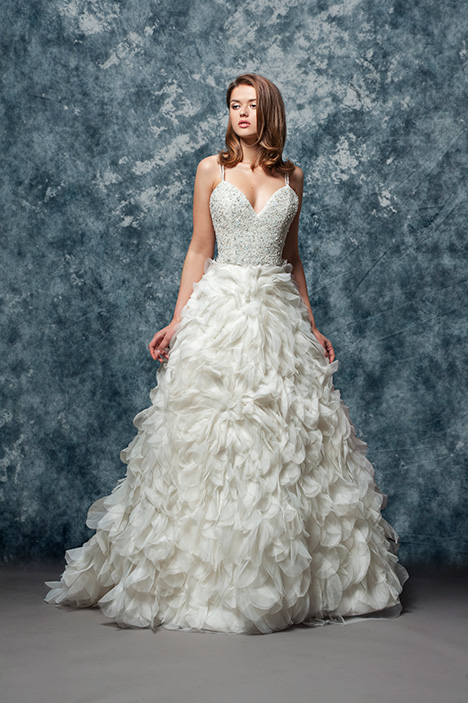 EF818 Luna  gown from the 2018 Enaura Bridal collection, as seen on dressfinder.ca