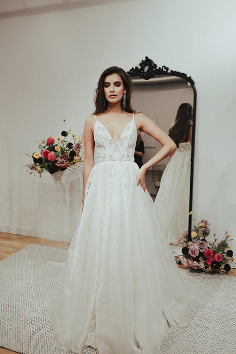 Manhattan gown from the 2018 Sarah Seven collection, as seen on dressfinder.ca