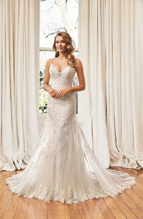 Esmeralda (#Y11971) gown from the 2019 Sophia Tolli collection, as seen on dressfinder.ca