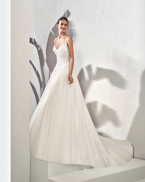 FRAGA (3N145) gown from the 2019 Adriana Alier collection, as seen on dressfinder.ca