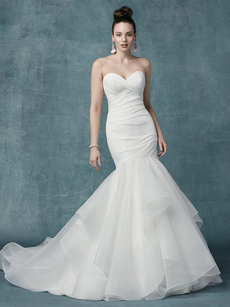 Jacqueline gown from the 2019 Maggie Sottero collection, as seen on dressfinder.ca