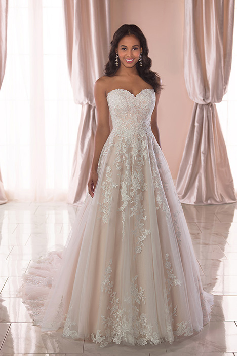 6776 gown from the 2019 Stella York collection, as seen on dressfinder.ca